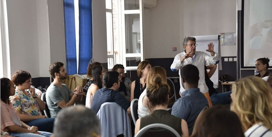 https://www.formation-hypnose.com/agenda/2eme-Session-Formation-a-l-Hypnose-Medicale-dans-la-prise-en-charge-du-patient-douloureux-chronique_ae706355.html