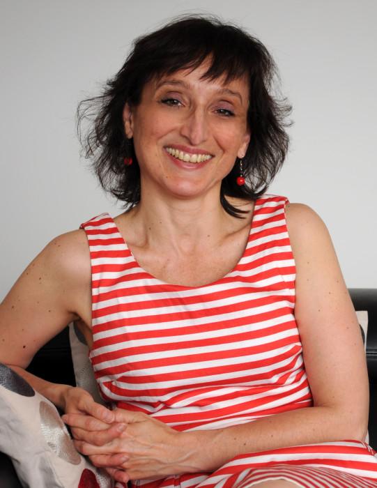 Stéphanie Marmara, Kinésithérapeute à Paris, formée en hypnose médicale au CHTIP