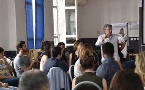 A Paris: Formation Première Année - Hypnose Ericksonienne